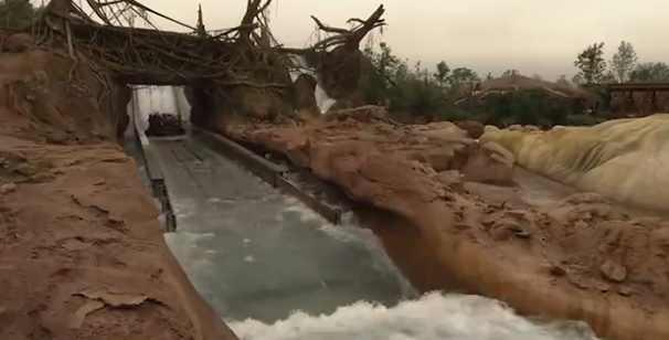 假山瀑布流水
